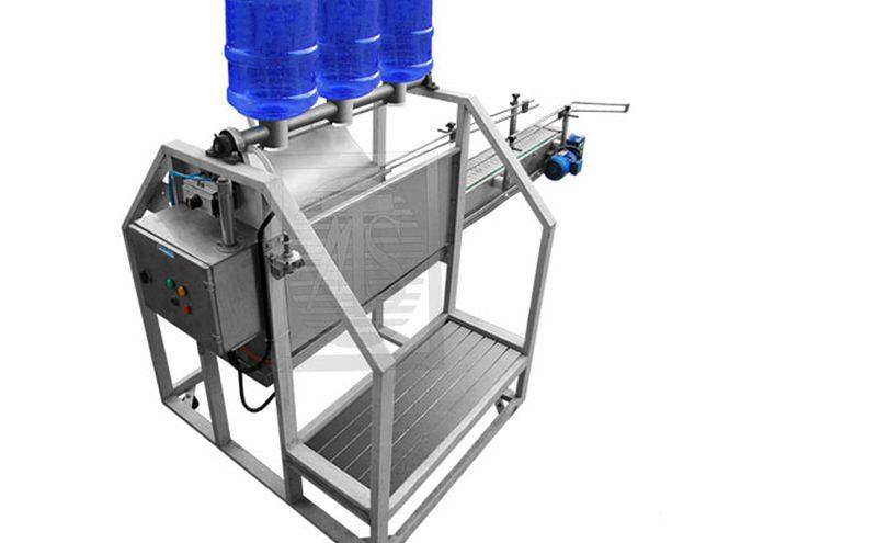 شوی گالن آب اتومات توان صنعت 800x495 - دستگاه بطری شوی گالن آب توان صنعت